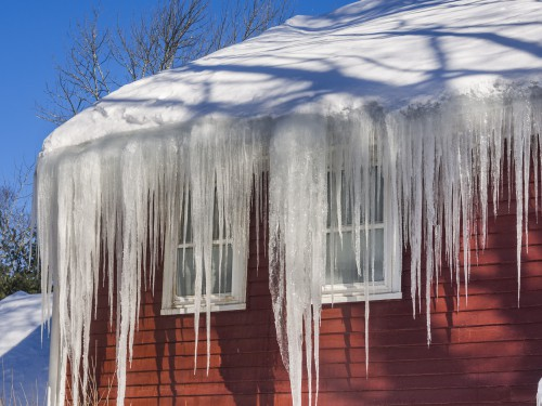 Winter Roof Maintenance Tips