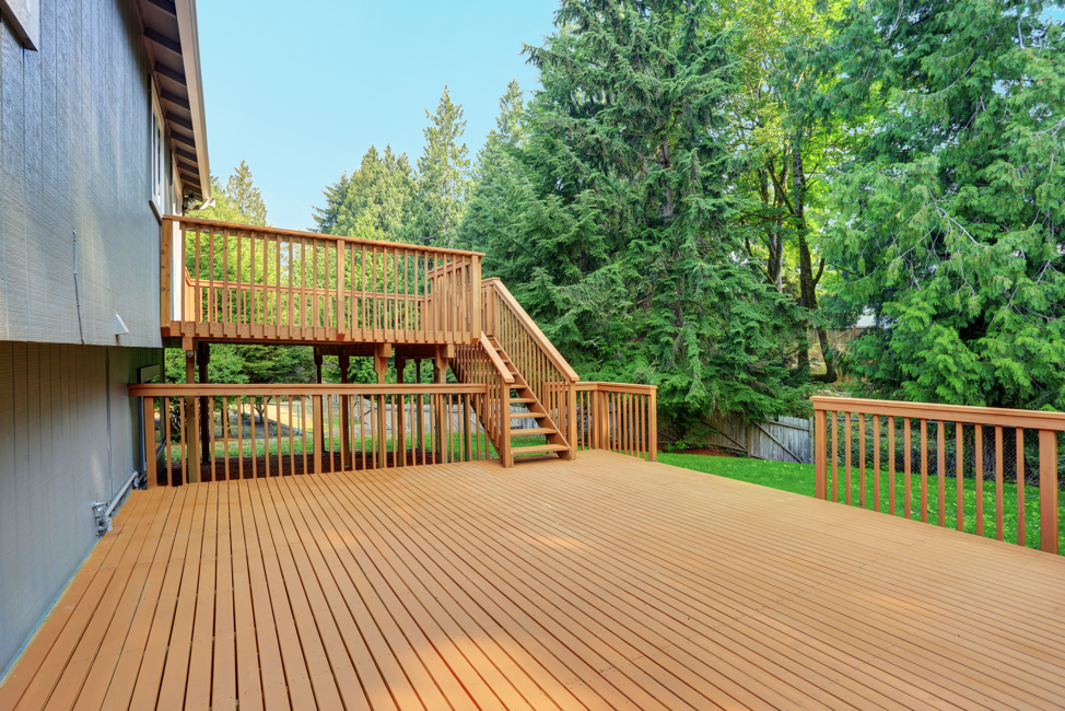 wooden-deck-backyard-arlington-heights