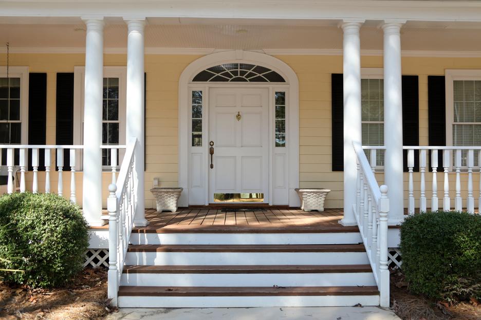 Front door replacement in Arlington Heights, Illinois